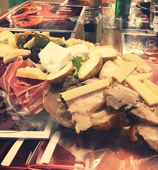 Antica salumeria rome italie food plateau charcuterie fromage