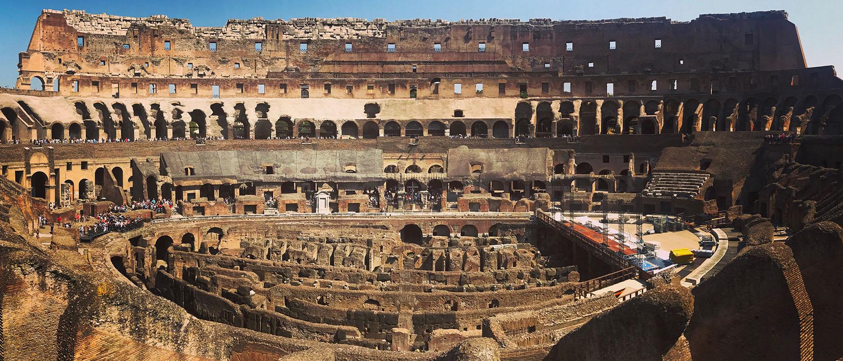 Colisee interieur rome italie