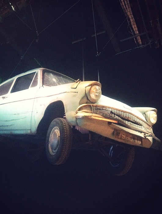 Flying car Harry Potter Warner bros studios tour exhibition exposition los angeles