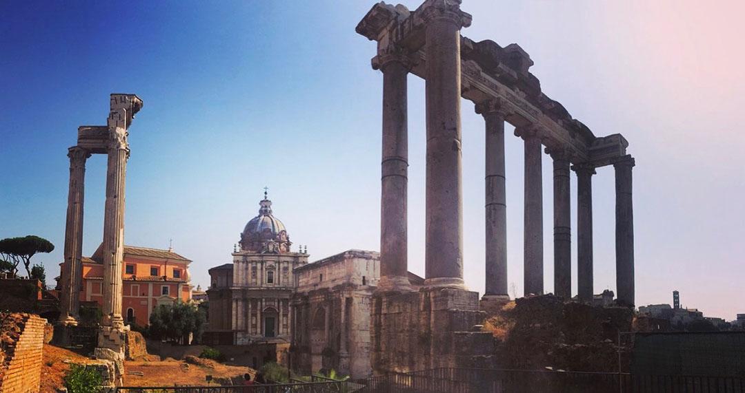 Forum rome italie colonnes temple