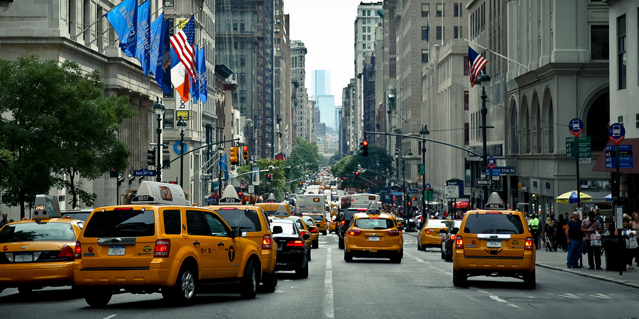 Cinquieme avenue new york manhattan taxi jaune yellow