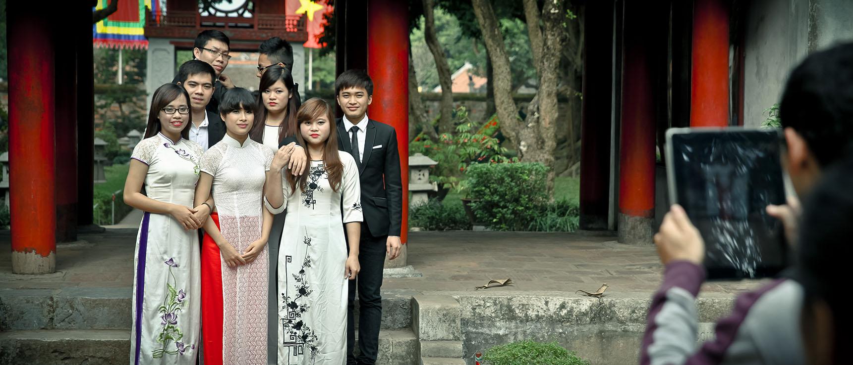 Temple de la littérature hanoi vietnam étudiants