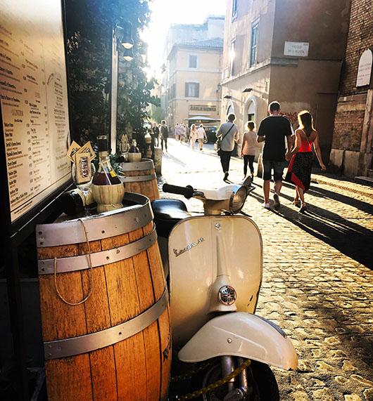 Trastevere Quartier Rome Italie Scooter